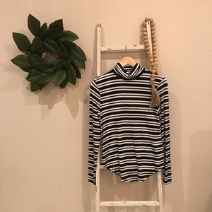 [Old Navy] Black and White Striped Turtleneck